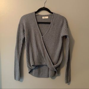 Abercrombie cross front sweater